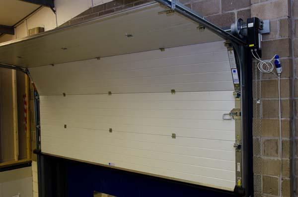 در اتوماتیک - درب اتوماتیک صنعتی - در اتوماتیک پارکینگ زیر سقفی | ایران فیدار